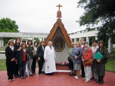 Ermita y familia. Click izquierdo para agrandar.