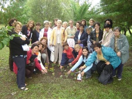 las-misioneras-y-su-conquista-del-lugar.jpg