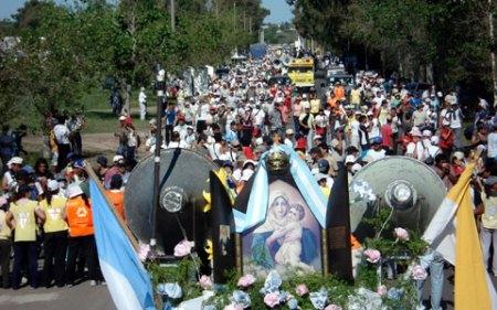 8b1042arg-peregrinacion-de-los-pueblos0001